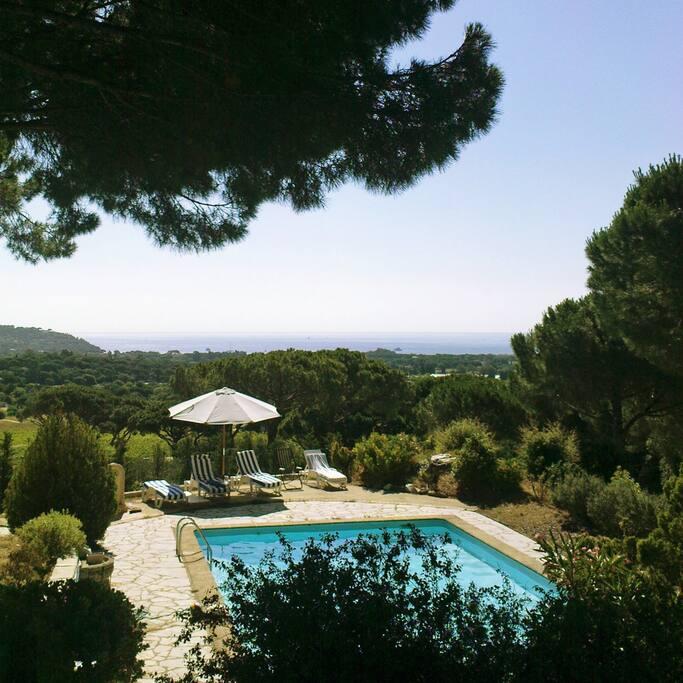 Villa avec piscine et vue sur la mer - Ramatuelle Saint-Tropez / villa w. Swimmingpool & seaview