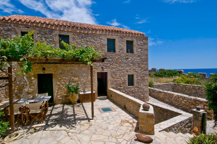 Traditional House (150 sq.m) Split Level - Monemvasia