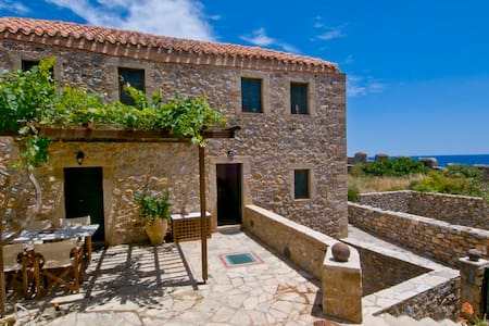 Traditional House (150 sq.m) Split Level - Monemvasia