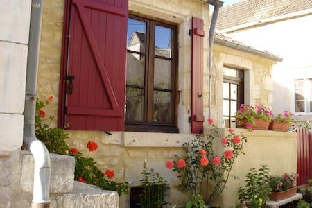 Stone Cottage in Medieval Burgundy - La Charité-sur-Loire