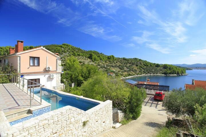 Six bedroom House, seaside in Vela Luka - island Korcula, Outdoor pool