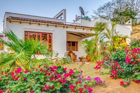 "This romantic one bedroom vacation home is located in the subdivision of Congo Hills.  Situated just 1 mile from Remanso Beach and 3 miles from San Juan del Sur.   ""Las Casa's de Congo Hills"" is the perfect vacation getaway."