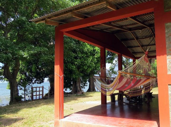 Lakefront!  Casita Punta de Guavas