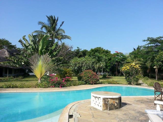 Fantastic 2 bed with pool - Mtwapa - Casa
