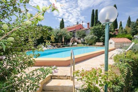 Villa 4 Murri, HAUS FUER 6 - 8 PERS - Rovinjsko Selo - Vila