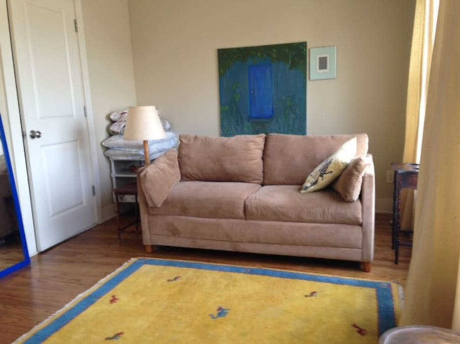 3rd flr 2nd sitting/bedroom with Full size pull- out bed, full bath, nice view ATL skyline.