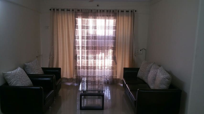 2bhk Fully Furnished with Breakfast - Bandra East - Mumbai
