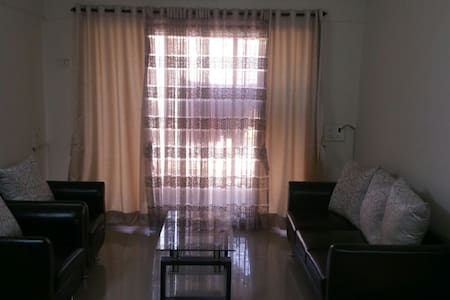 2bhk Fully Furnished with Breakfast - Bandra East - Mumbai - Wohnung