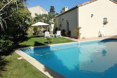 Chambre dans villa près Montpellier