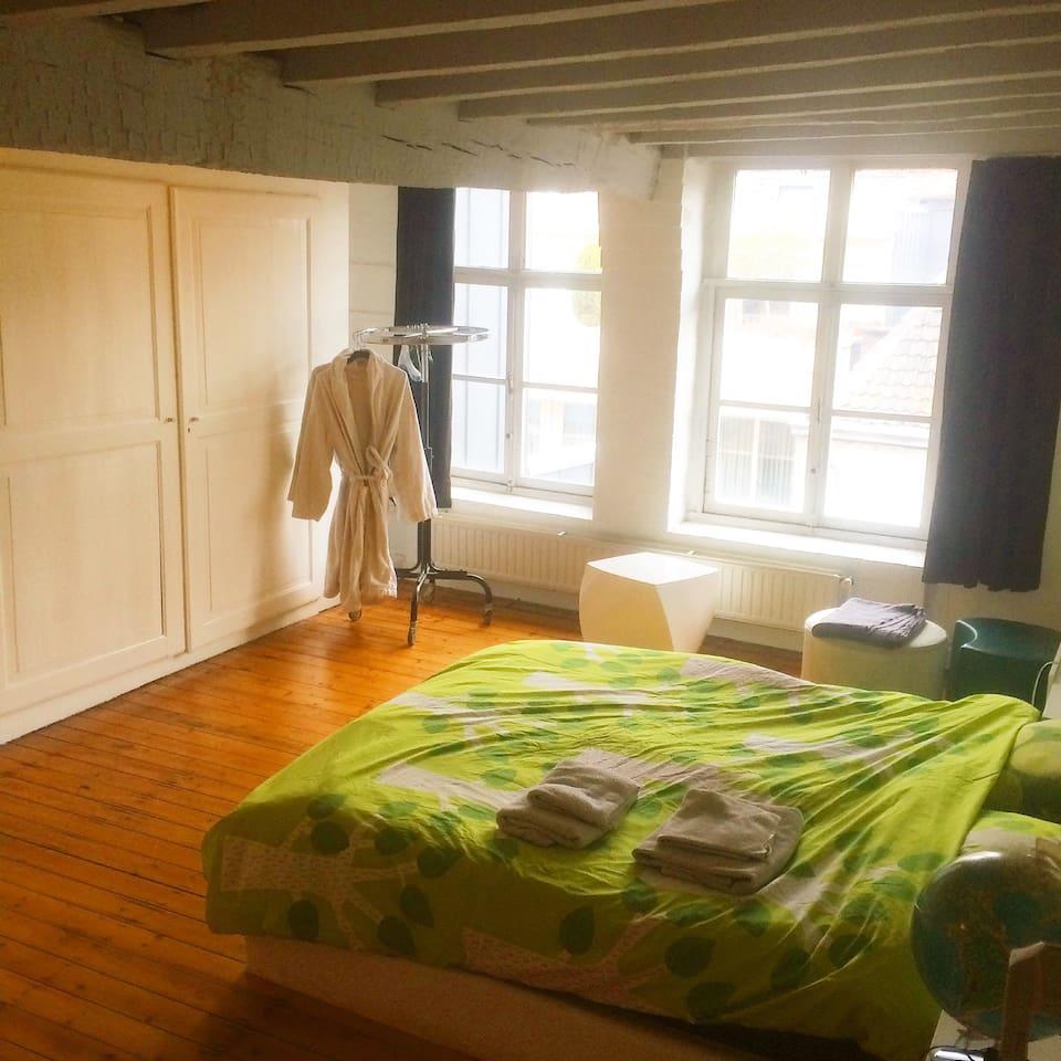 Room N 1