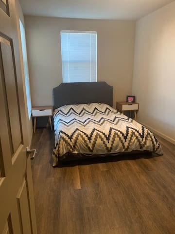 Brand NEW Private Bedroom Close to SFO