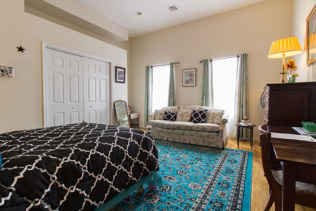 Visiting the city doesn't have to mean being cramped - explore Fishtown and all of Philadelphia, and come home to a luxurious space and a cup of coffee!