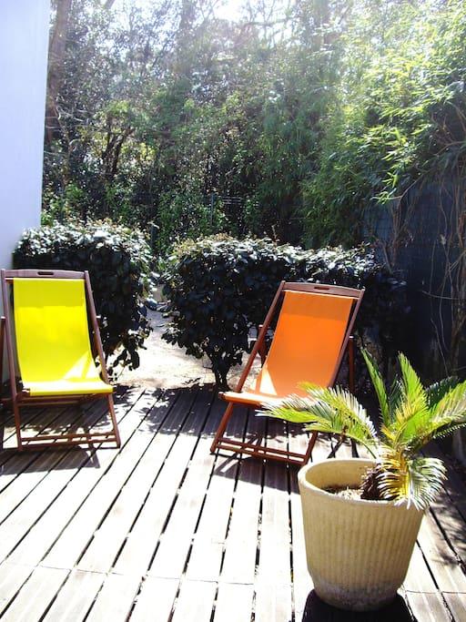 T3 situé à 200m de la Plage avec Bel espace extérieur de 100 m², Grande Terrasse Bois pour se relaxer  au soleil, au Calme dans la Pinède.