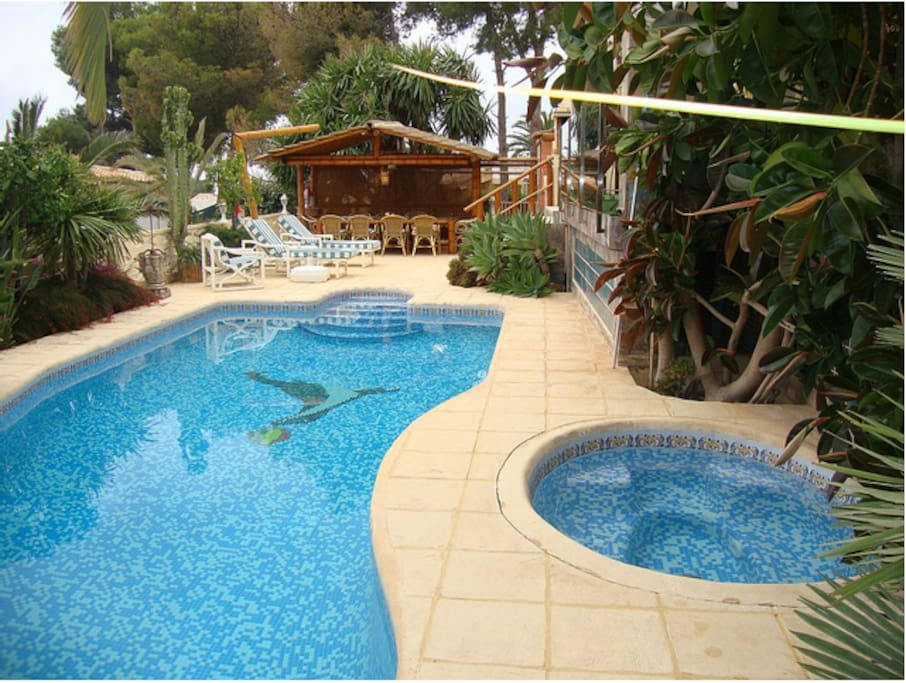 Apart chalet pisc yacuzzi aire tv wifi parking bbq aptos for Alquiler chalet piscina privada comunidad valenciana