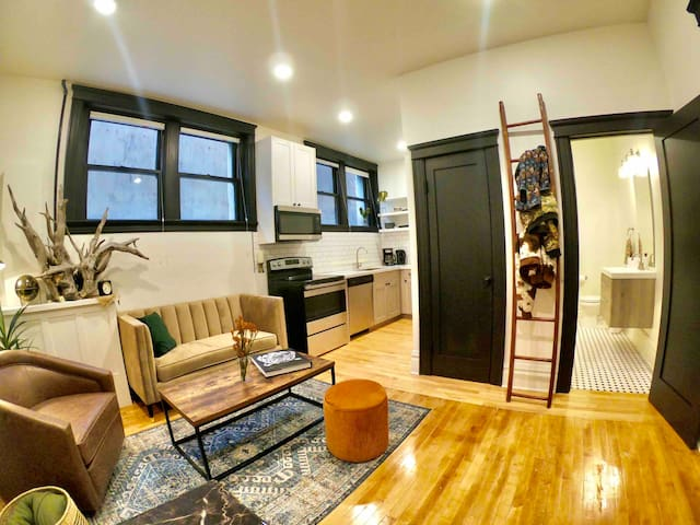 Open, bright and airy!  Brand new condo in Uptown Butte.