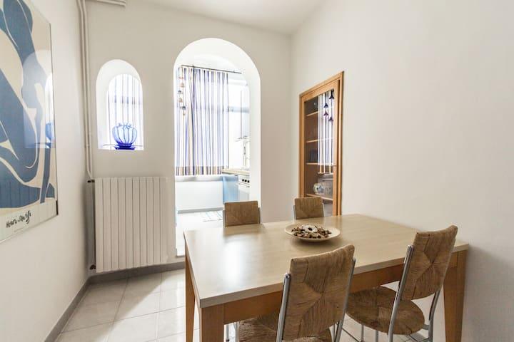 """Appartamento """"Sirio"""" - garage - wifi gratuito -"""