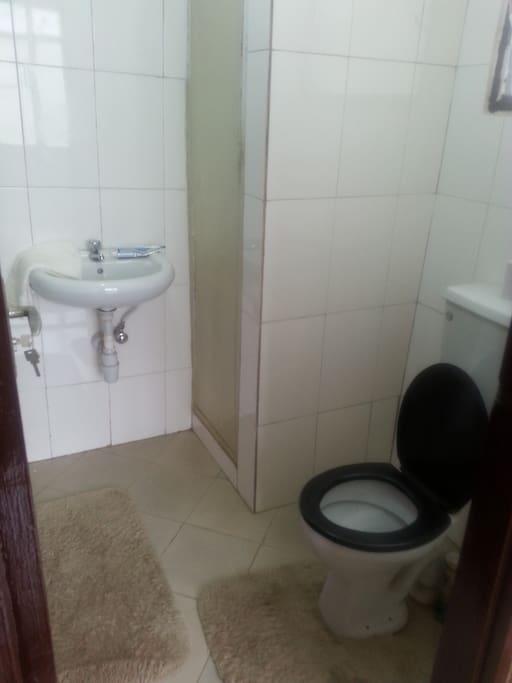Master Bedroom's Washroom and Bath