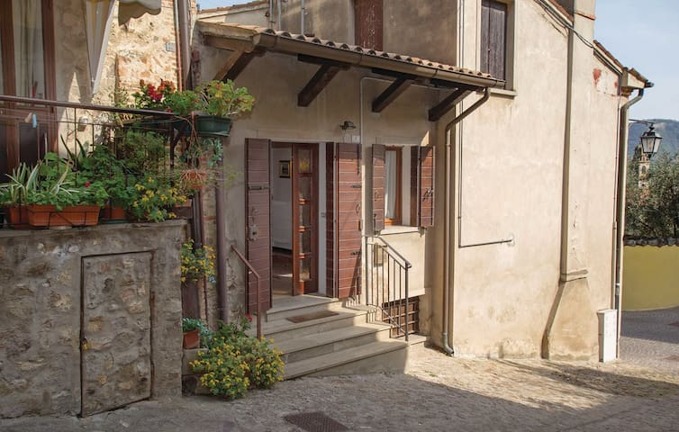 Quiet, comfortable, and friendly - Arquà Petrarca - Casa