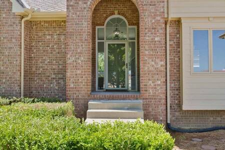 Remodeled Mansion on Prestigious Golf Course! - Wichita - Talo
