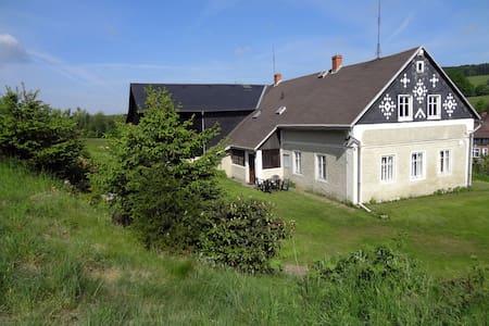 Chalupa Brtníky 129 - Staré Křečany - 木屋