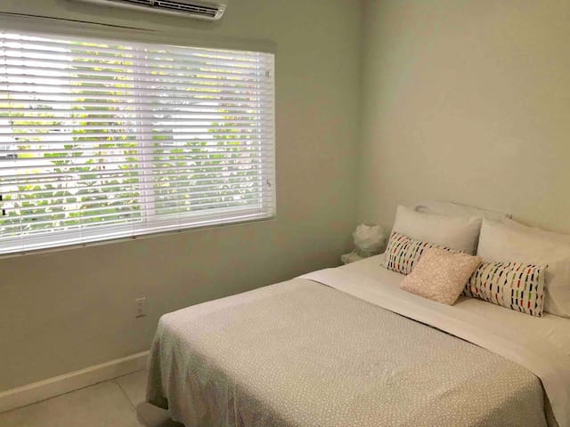 CHARMING STUDIO MIAMI Biscayne Blvd 2 to 4 guests