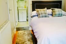 Light & airy suite