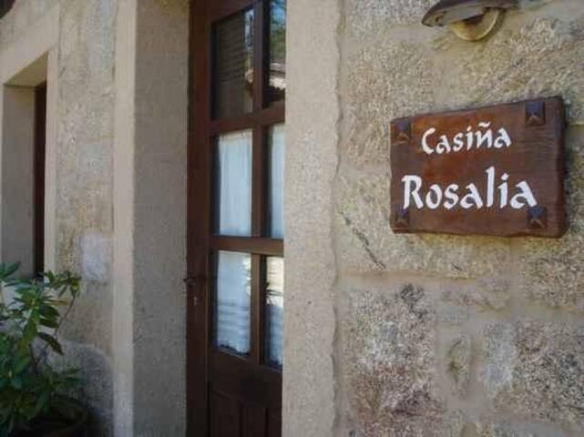 Casiña Rosalia en Aldea Os Muiños