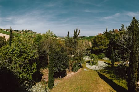 Between hills and beaches - Fermo