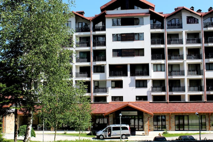 One bed apartment C42 in Borovets Garden