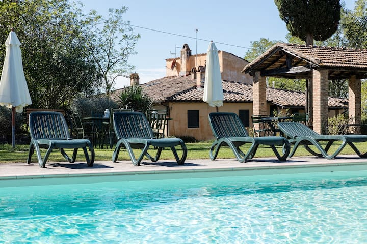 Luxurious Farmhouse in Ghizzano Italy with Swimming Pool