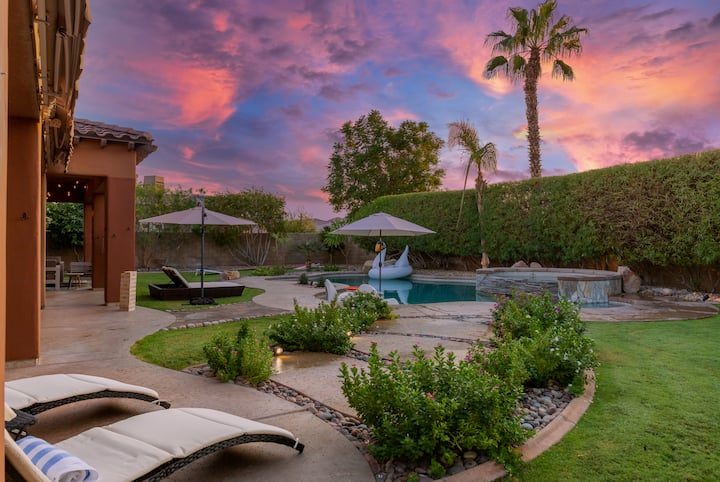 NEW LISTING Cascade - Luxury Home W/ Pool, Spa & Fire Pit