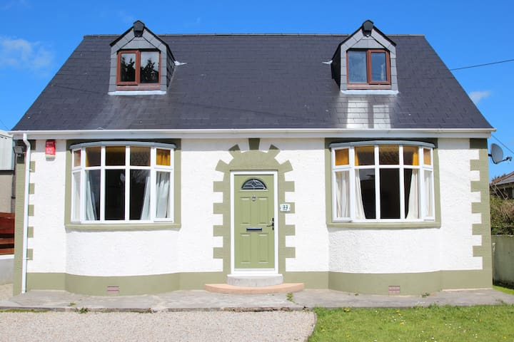 detached BUNGALOW-nr.HAYLE - St.Ives Bay- Cornwall