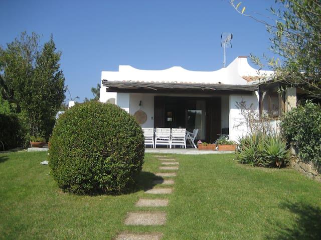 Villa a pochi passi dal mare - Baja Sardinia - House