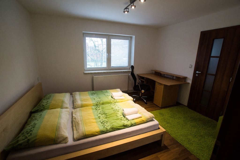 Double bed with garden view
