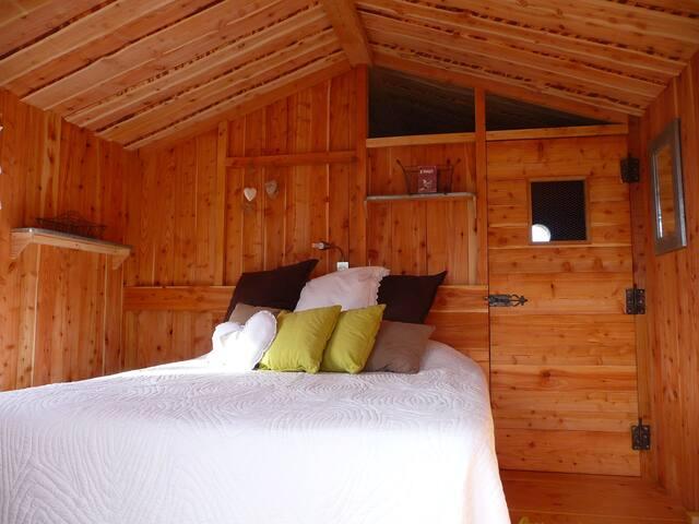 La cabane du Forez - Essertines - Puumaja