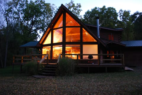 WATERFRONT 1.7ac Custom Log Home w/LED Spa!