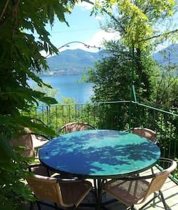 Typisches Rustico am Lago Maggiore - Oggebbio