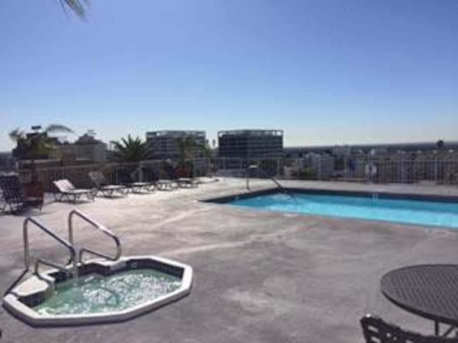 Rooftop pool and jacuzzi with amazing views of Los Angeles