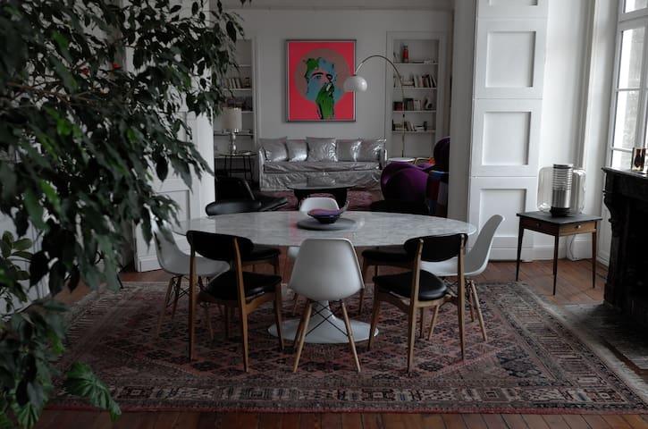 Une vue un appartement uniques appartements louer for Acheter un appartement 0 bordeaux