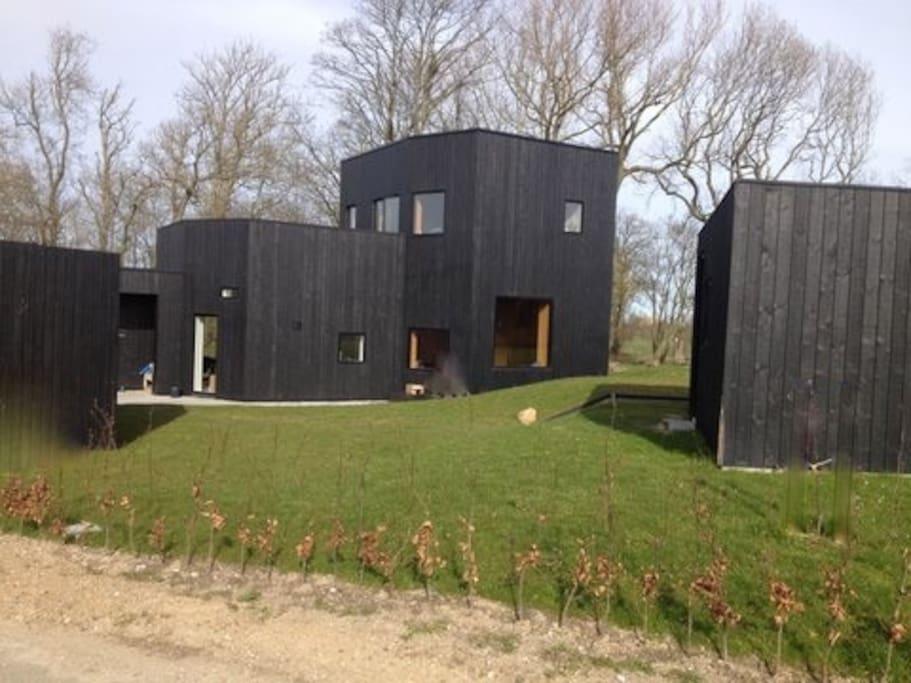 moderne tr hus i smuk natur h user zur miete in sk dstrup d nemark. Black Bedroom Furniture Sets. Home Design Ideas