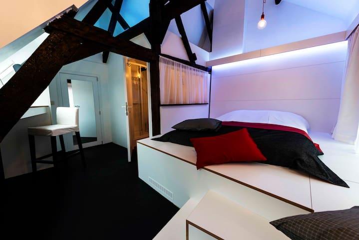 Chambre Design / Centre-Ville - Mons - Hus