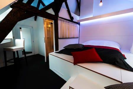 Chambre Design / Centre-Ville - Mons - Casa