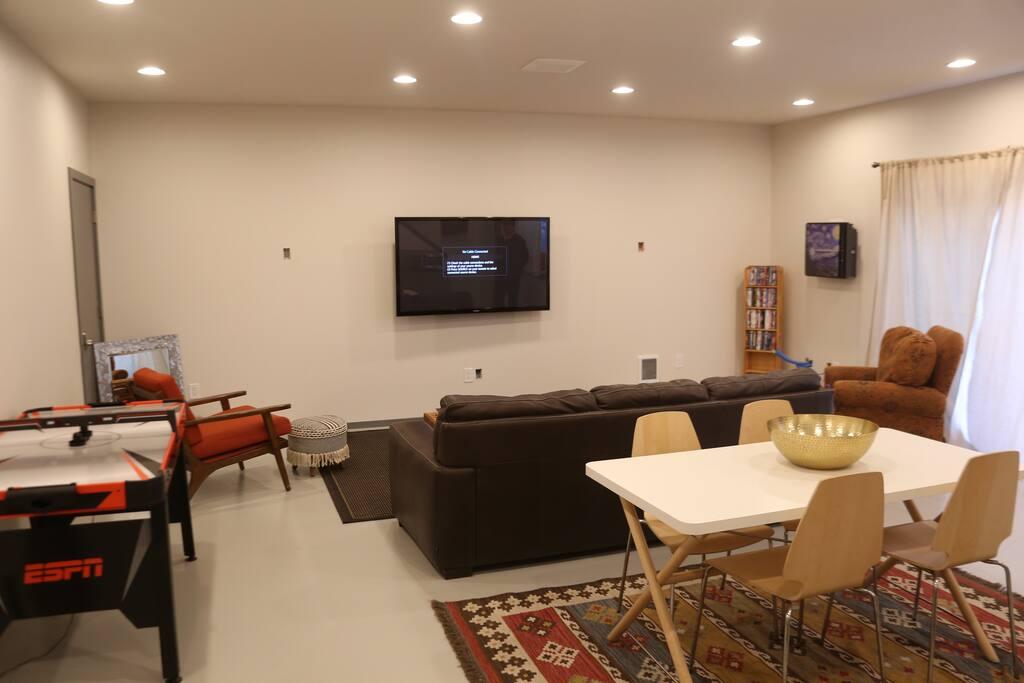 Man Cave Suite Livingroom