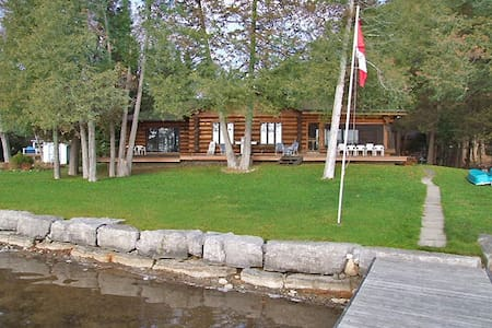 Kawartha Lakes Executive Log Home Waterfront - Buckhorn