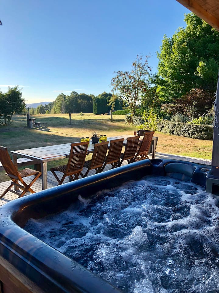 Gorgeous bubbling spa pool for your use