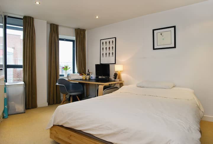 Spacious Double Room with Ensuite