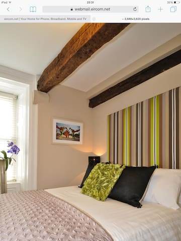 7 Cross Street Boutique Hotel - Galway