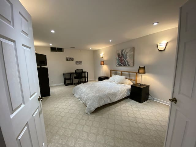 Large Room in Tansley Woods