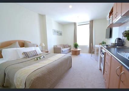 Cozy Apartment in Perth CBD with FREE WiFi - Perth