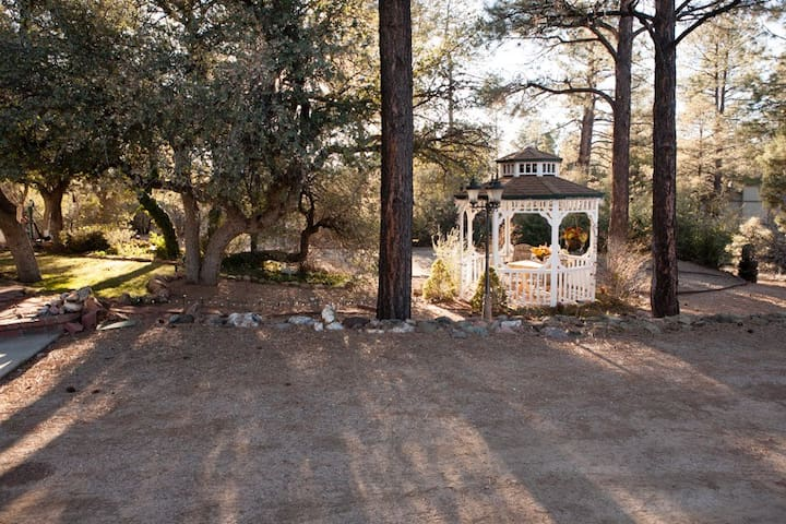 Lovely Getaway Space in the Pines - Prescott - Pis